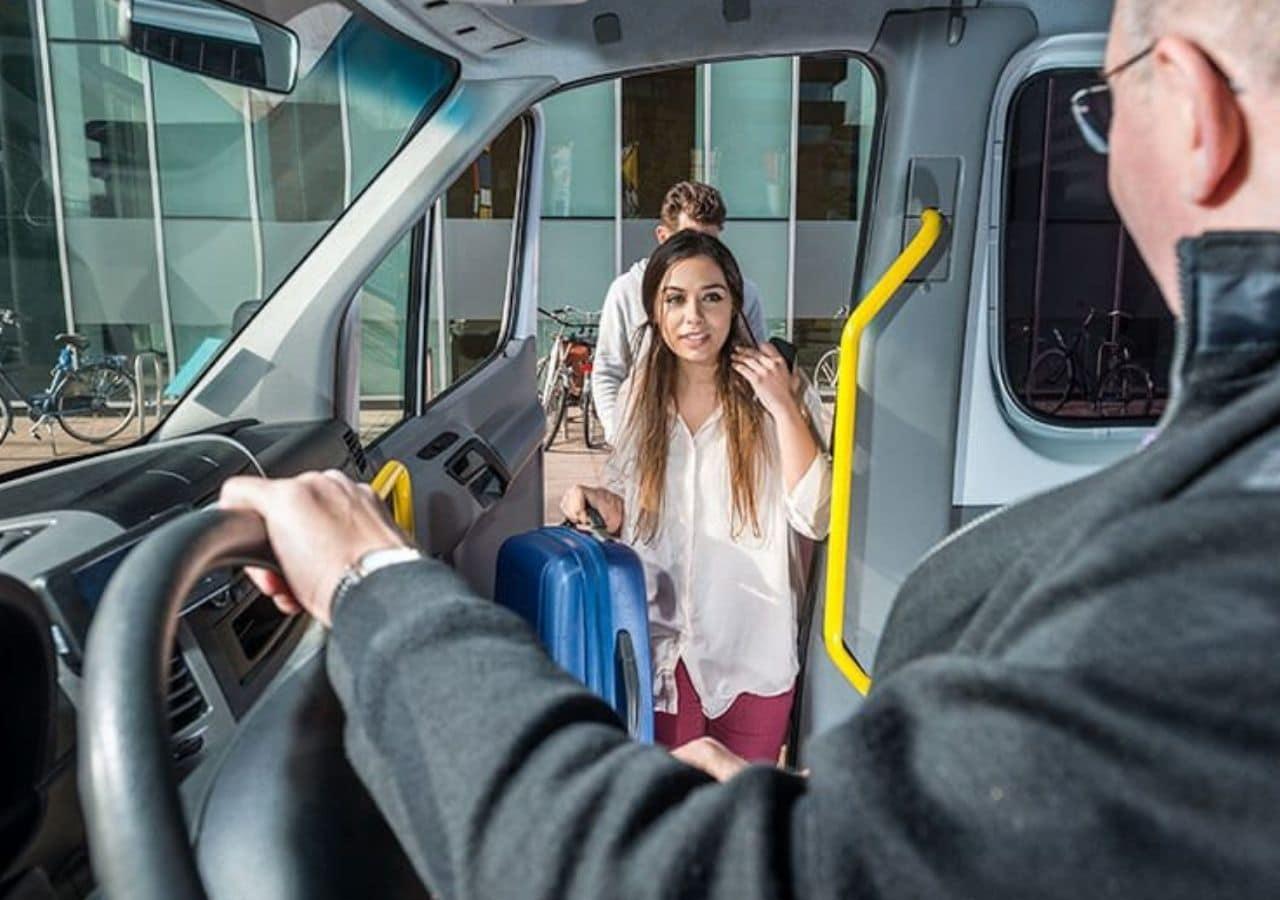 Transporte ida e volta ao Aeroporto de Navegantes - Regular